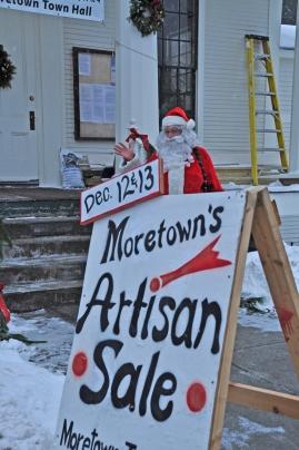 2009 Santa Outside - Moretown Town Hall